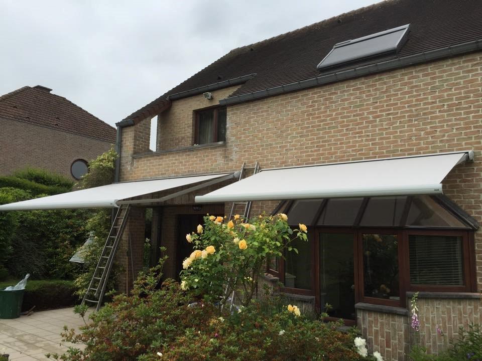 protection solaire de terrasse. manoeuvre électrique avec télécommande